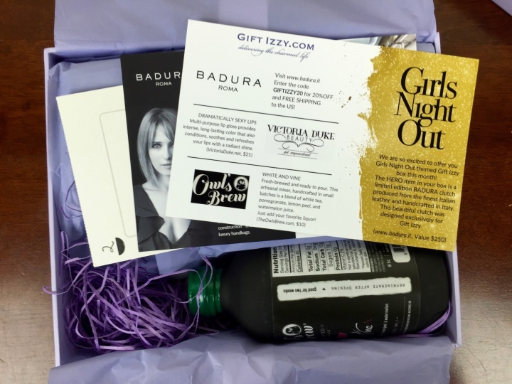 Gift Izzy Box May-June 2016 unboxed