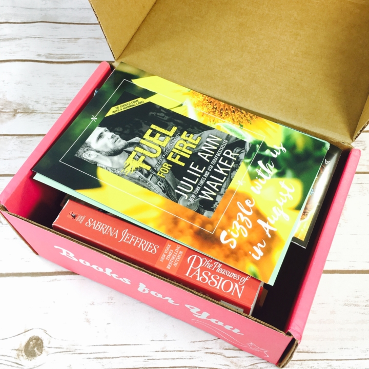 Fresh fiction box august 2017 subscription box review coupon deal save 3 on your first fresh fiction not to miss box with coupon code hello fandeluxe Images