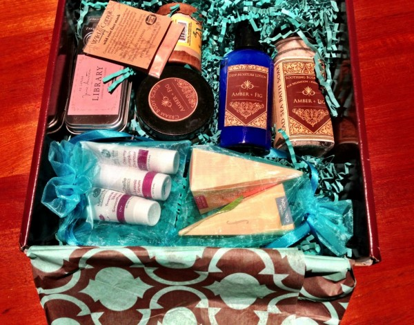 Mia Tempo Signature Box Review   September   Natural & Organic Spa & Beauty Subscription photo