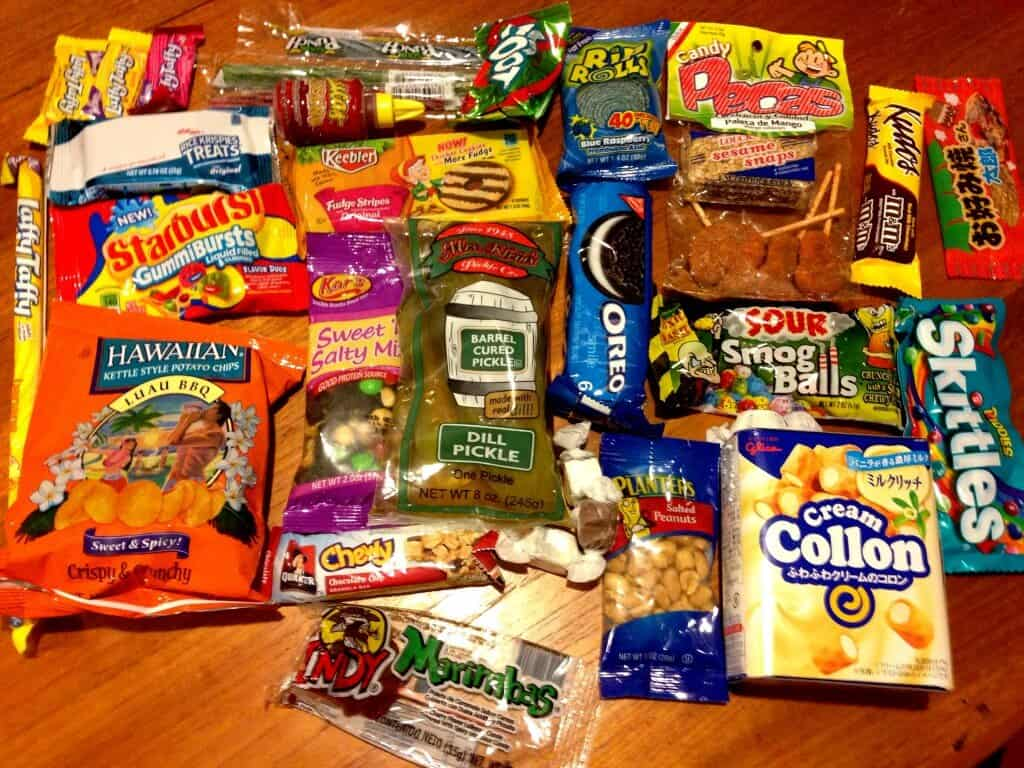 November MunchPak Review & Coupon – Snacks + Candy Subscription Box!