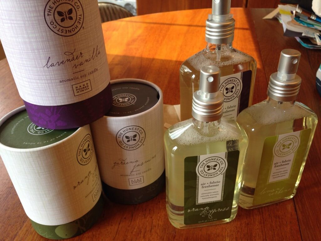 New Honest Company Soy Candles and Room & Fabric Freshener Sprays – Review & Coupon