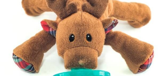 We love WubbaNub! plus Holiday Reindeer WubbaNub Giveaway!
