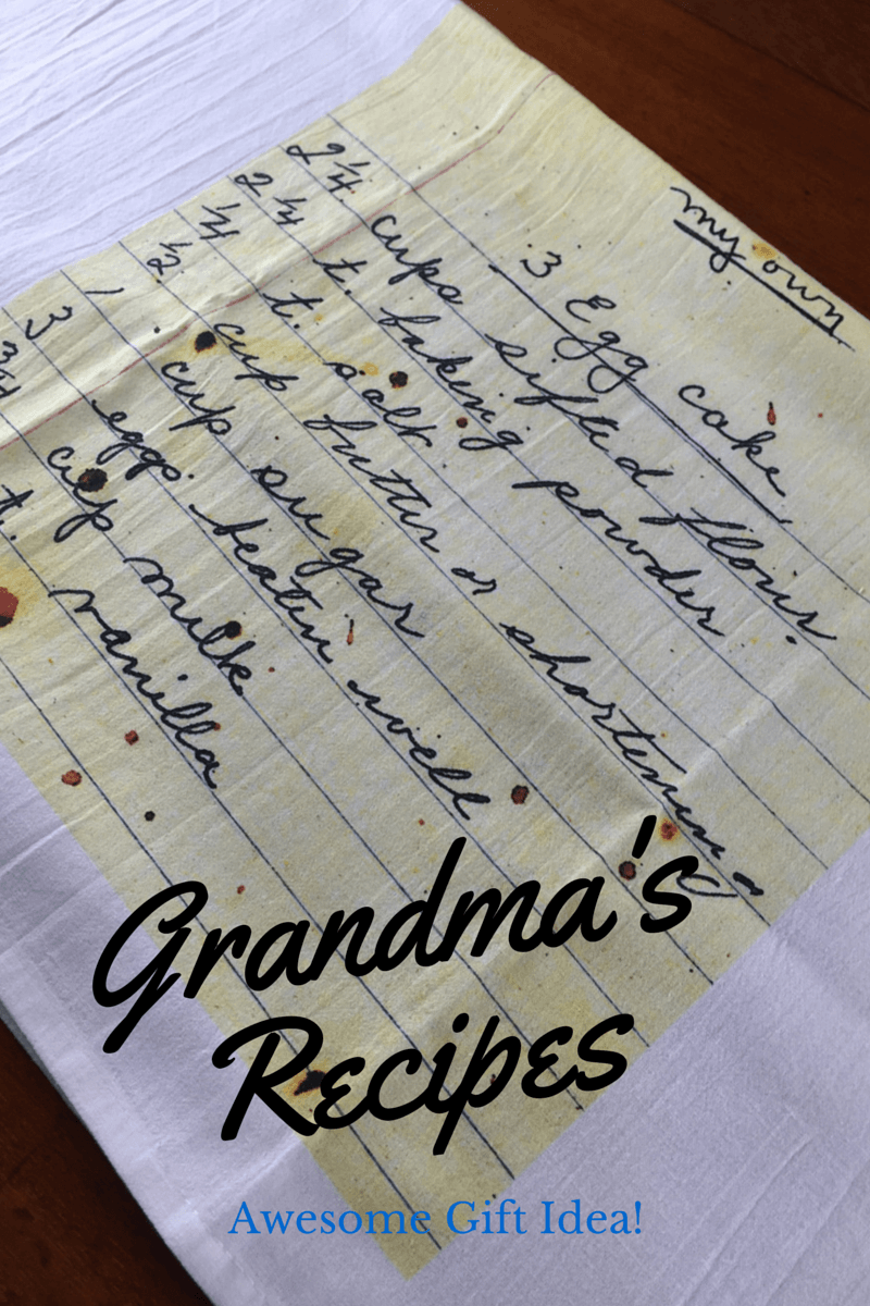 Grandma's Handwritten Recipes Personalized Gifts #HolidayGiftGuide
