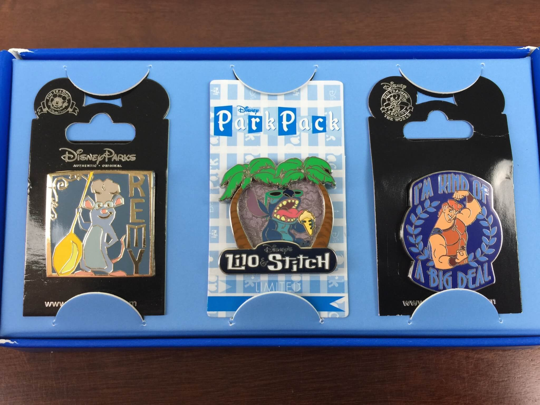 August 2015 Disney Park Pack: Pin Trading Edition Review
