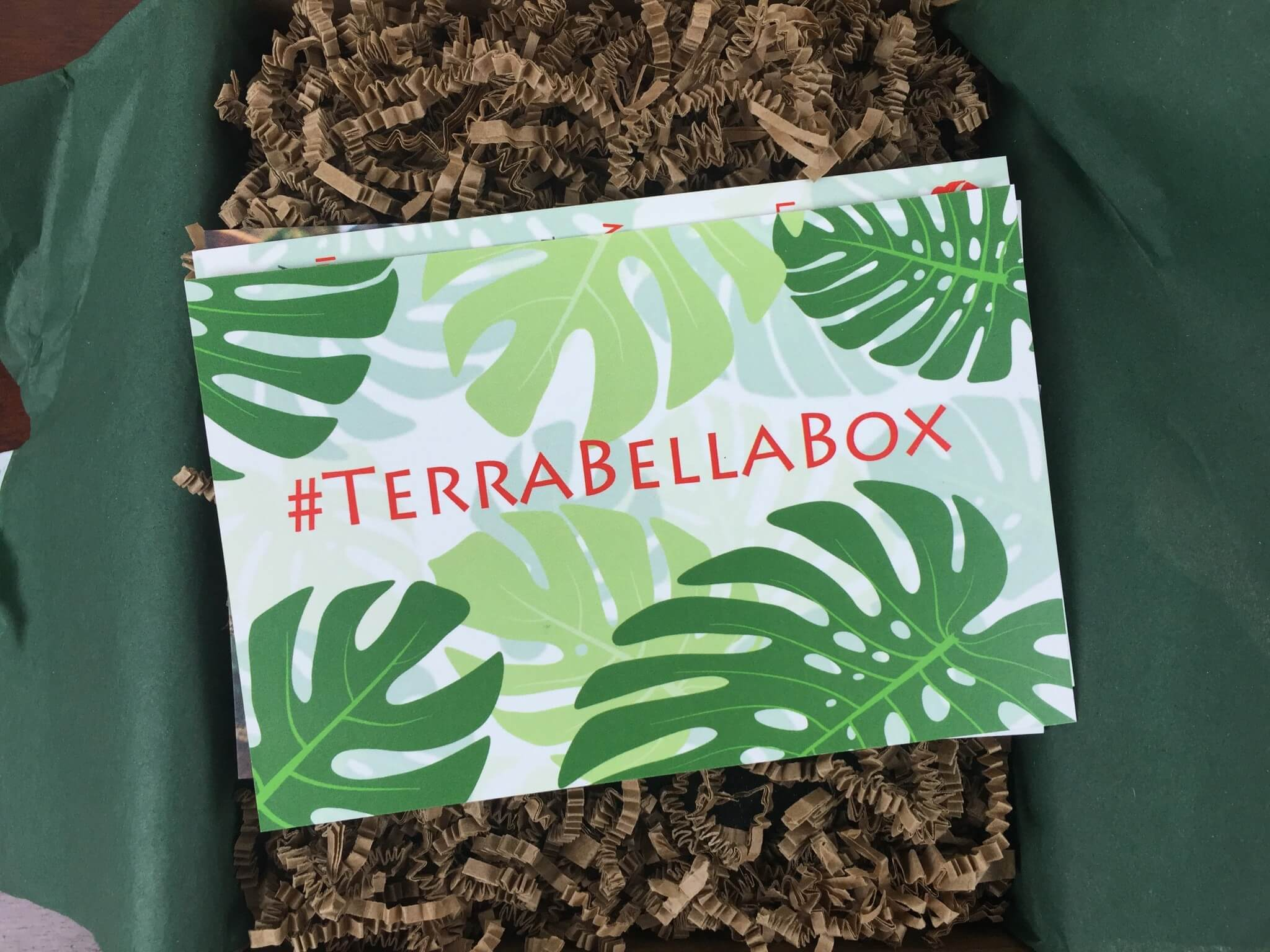 Terra Bella Box December 2015 Subscription Box Review & Coupons