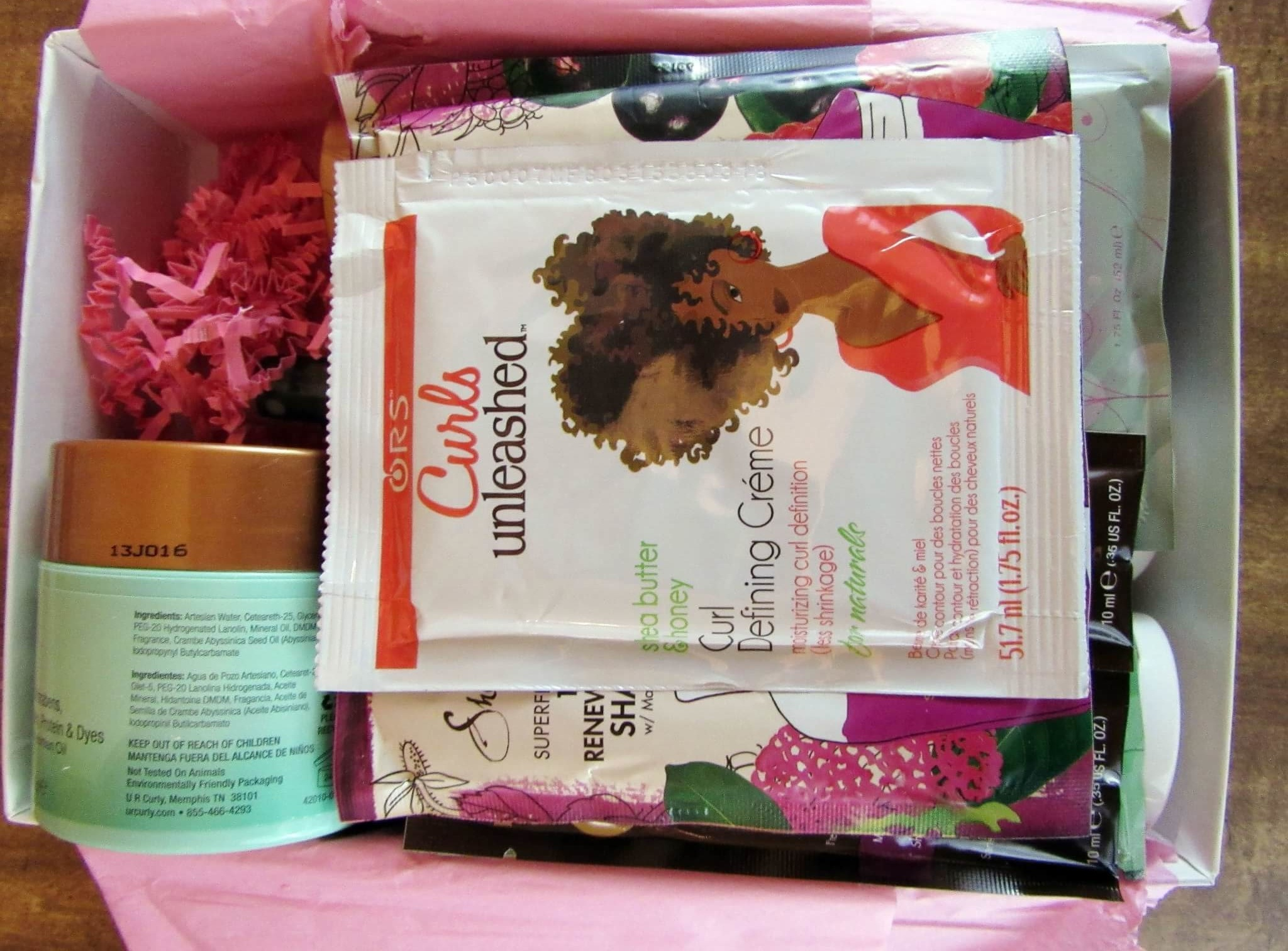 CurlKit January 2016 Subscription Box Review & Coupon