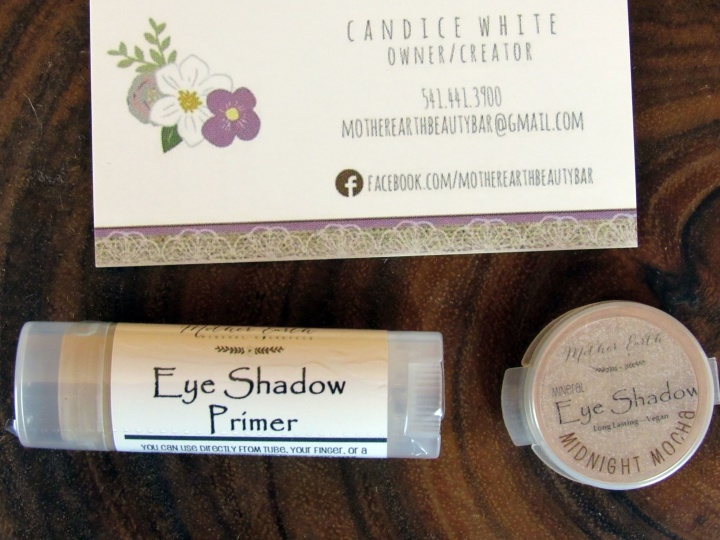 Mother Earth Beaity Bar Eyeshaow Primer & Eyeshadow