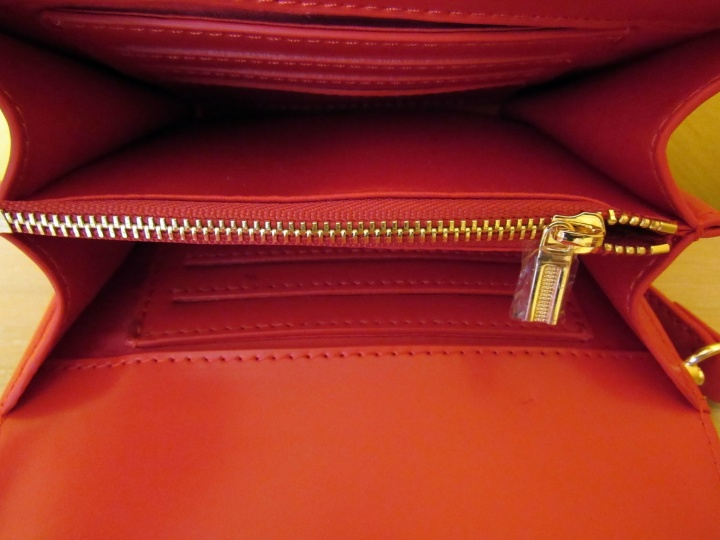 Zipper and credit card slots