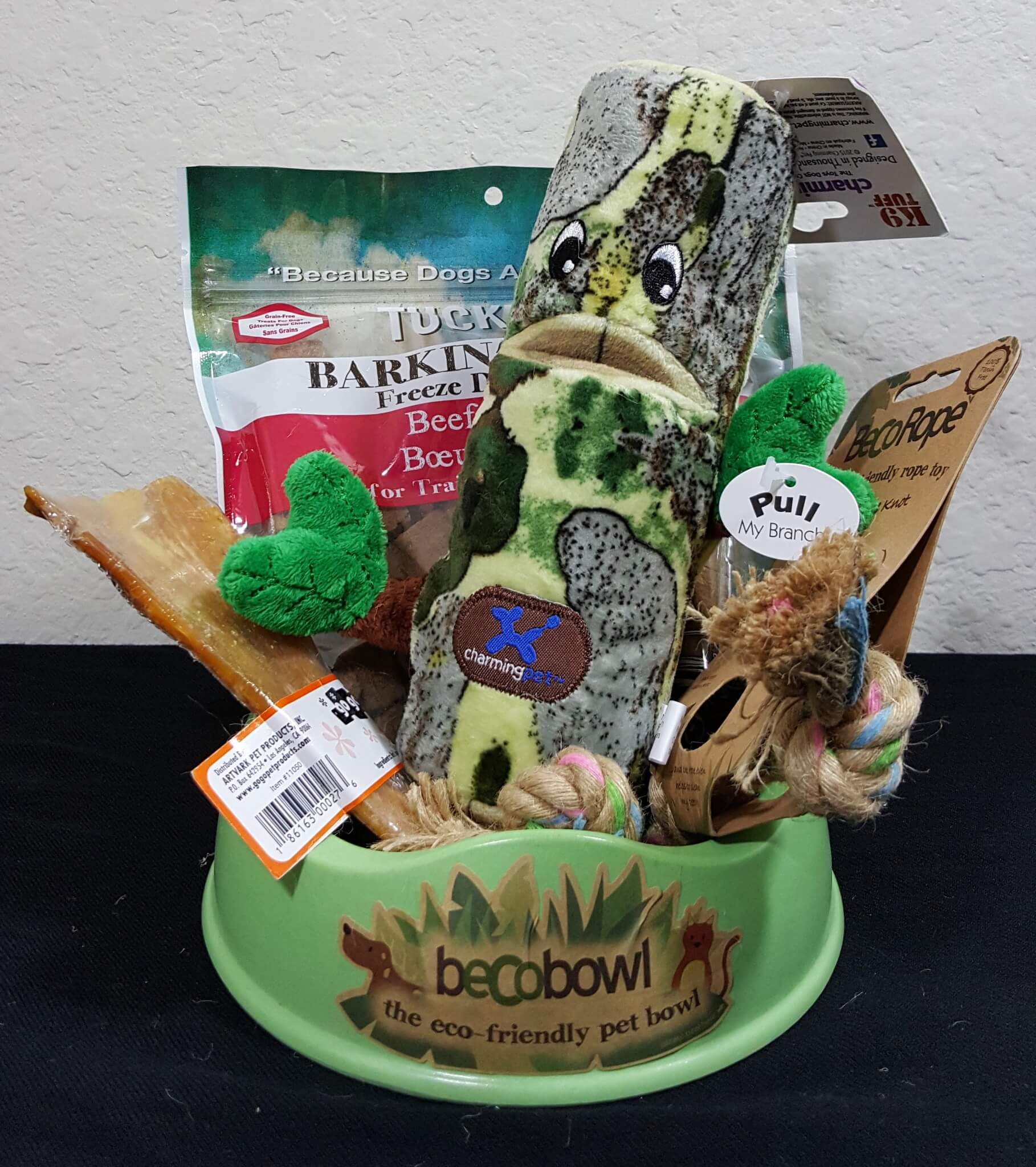 PawPack Dog Subscription Box Review – April 2016