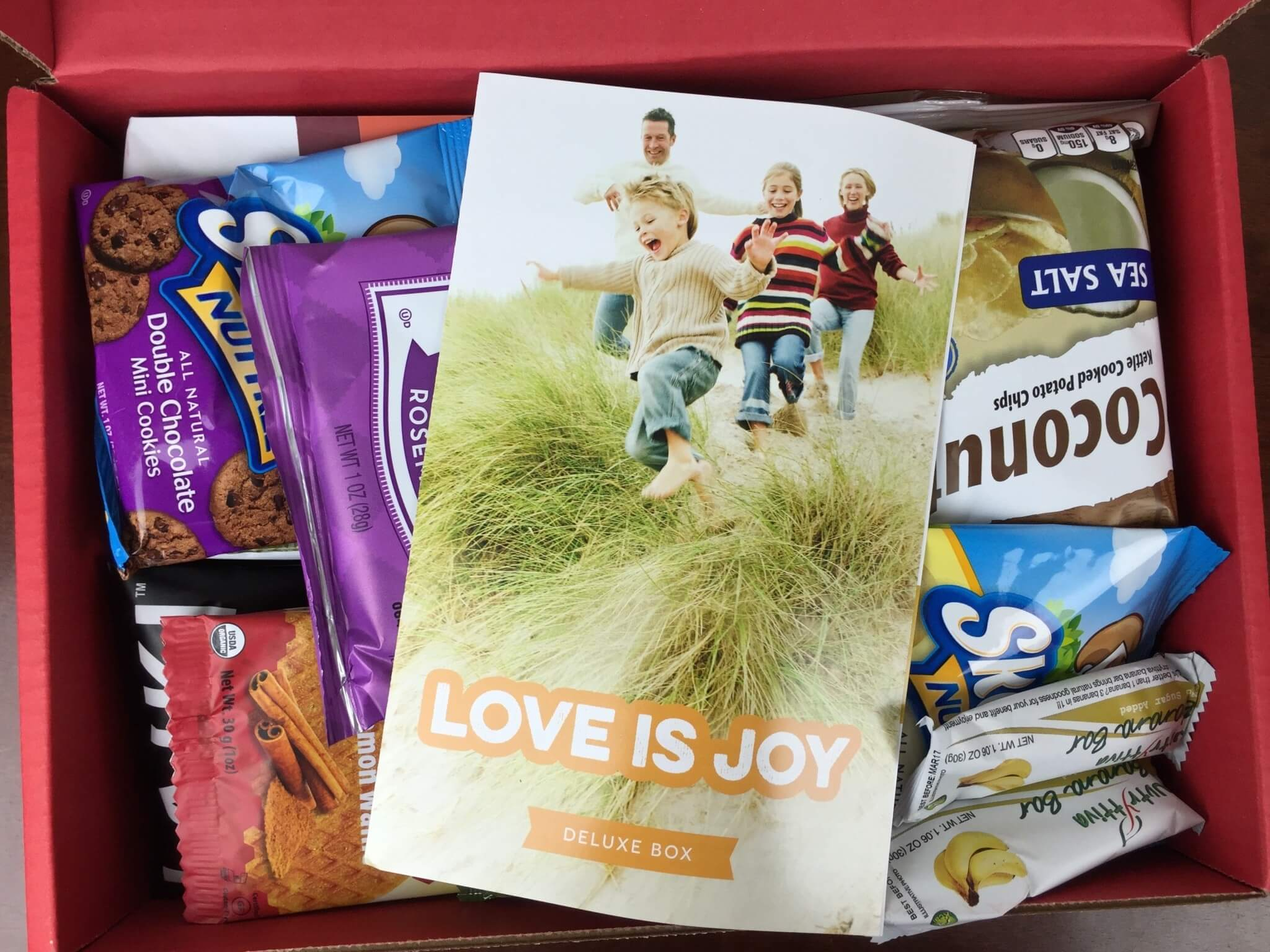 Love With Food Deluxe Box April 2016 unboxed