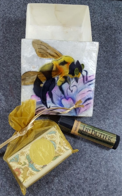 lemondropgifts_april2016_bees