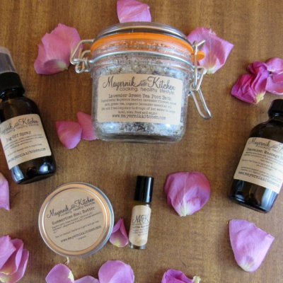 Out of the Woods Apothecary Subscription Box by Mayernik Kitchen – April 2016 Review