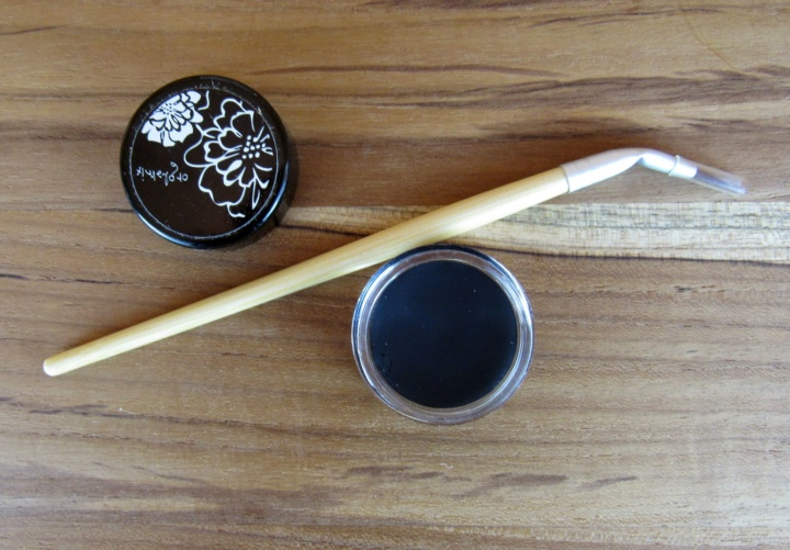 Orglamix Blacquer Shadow + Line and Orglamix Eco Chic Bent Eyeliner Makeup Brush