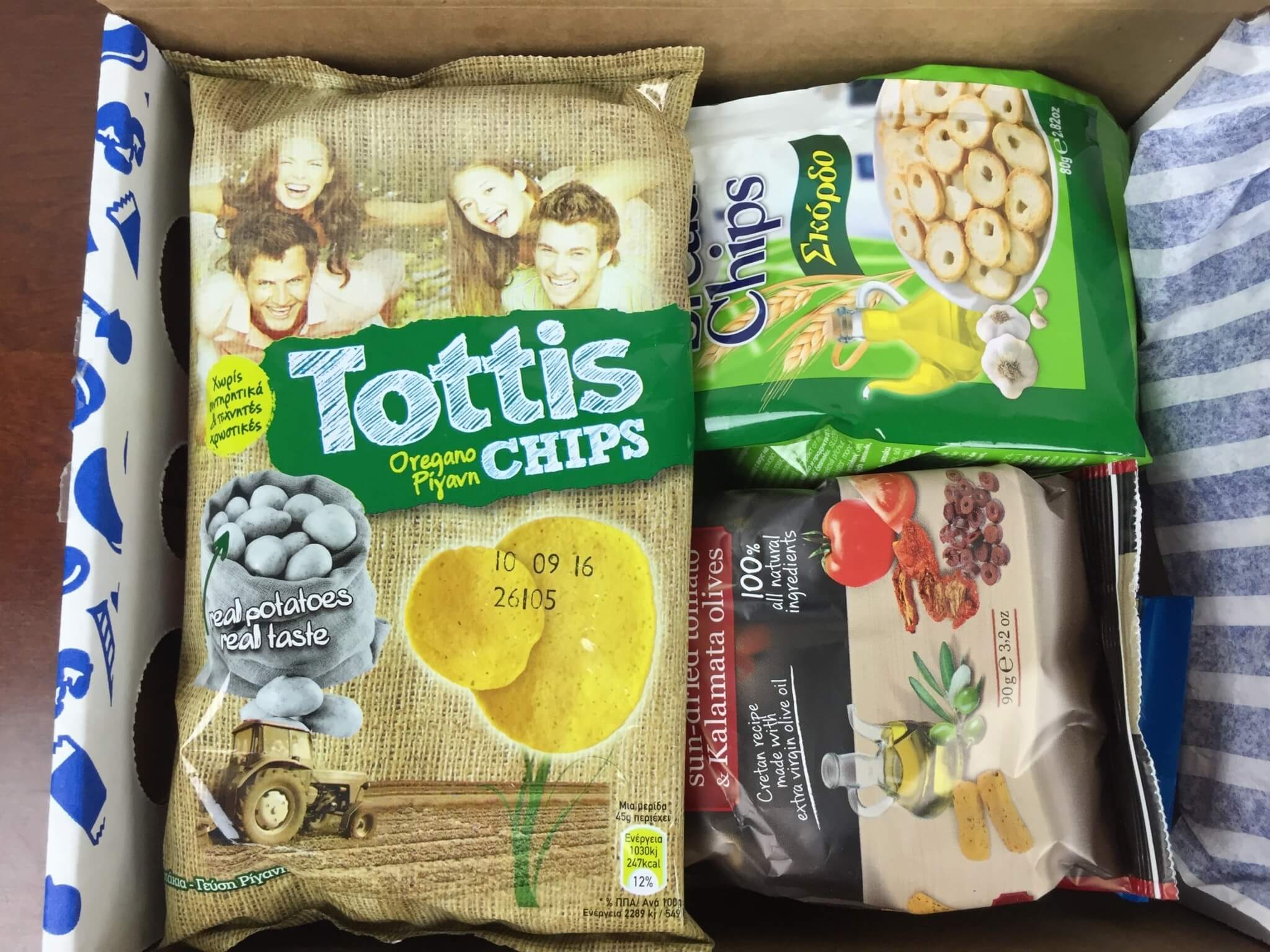 Universal Yums Box May 2016 unboxed