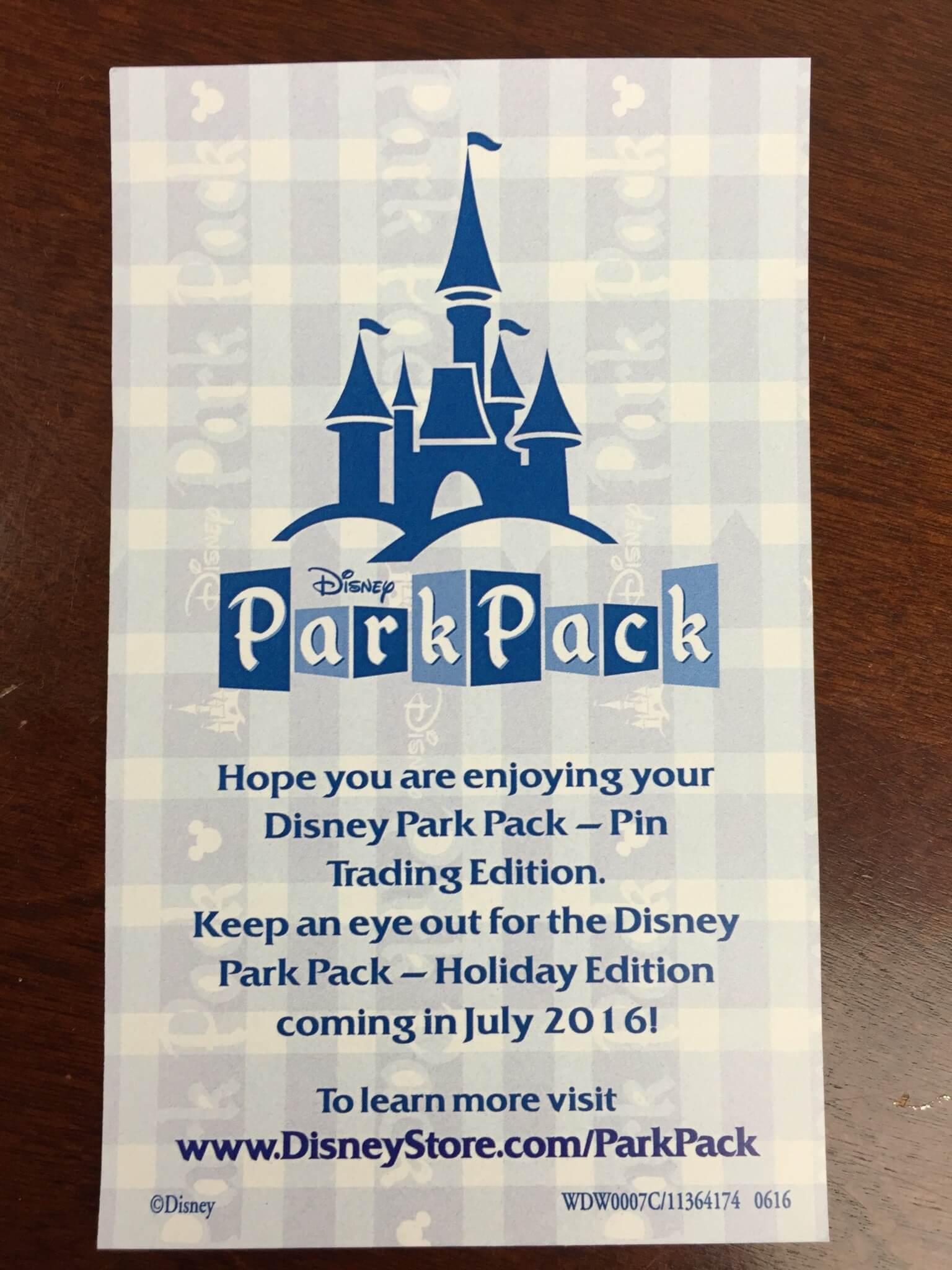 disney park pack pin trading box june 2016 IMG_2097