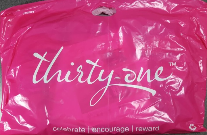0f083c46eb78 Last month I hosted an online thirty-one party and as one of my hostess  rewards I got the hostess mystery bundle. I had no idea that they even  offered such ...