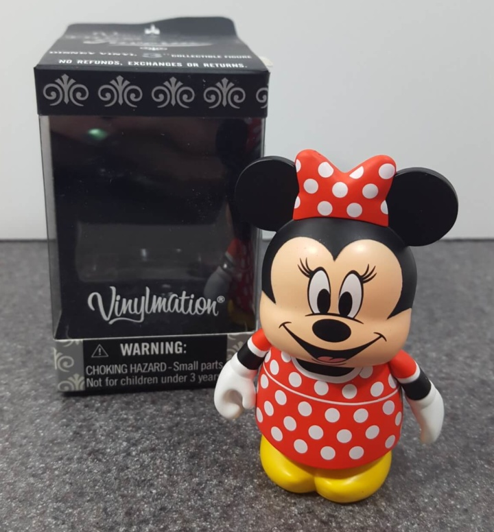 wdwinabox_june2016_minnie