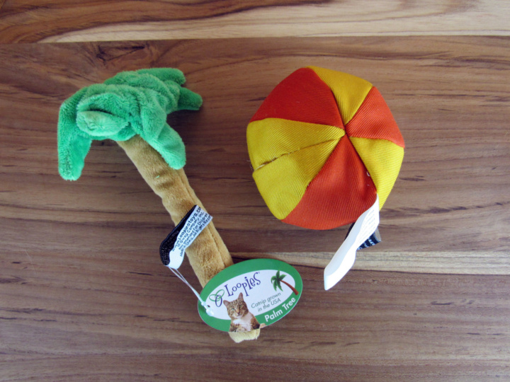 Palm Tree Catip Toy by Loopies - Excusive for Catlaydbox and Catnip Beach Ball by Imperial Cat - Limited Eidtion for CatLadyBox