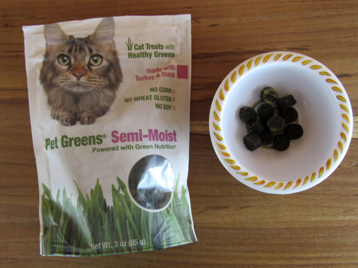 Pet Greens Treat with Turkey & Duck