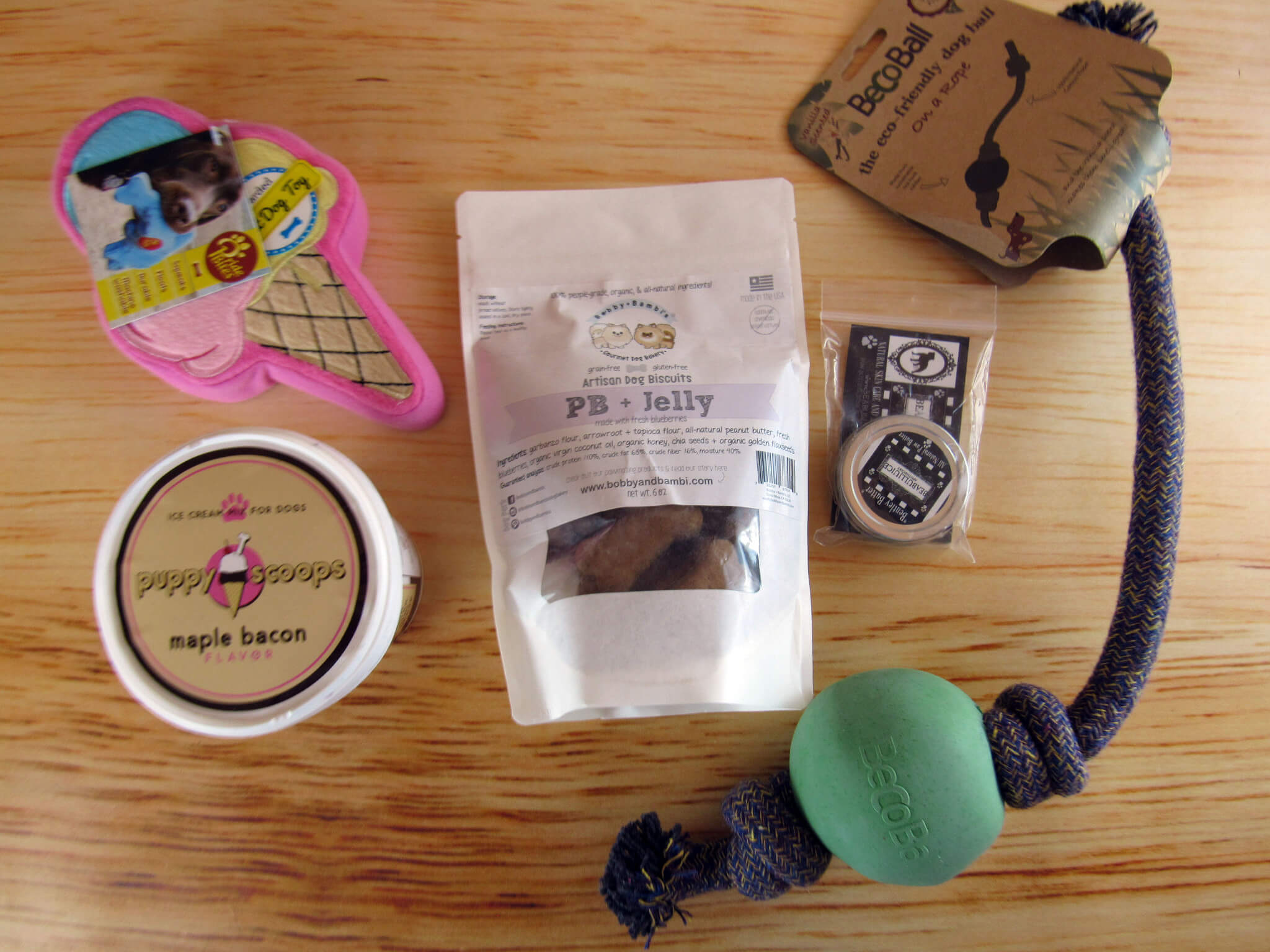 The Dapper Dog Box August 2016 Subscription Box Review + Coupon