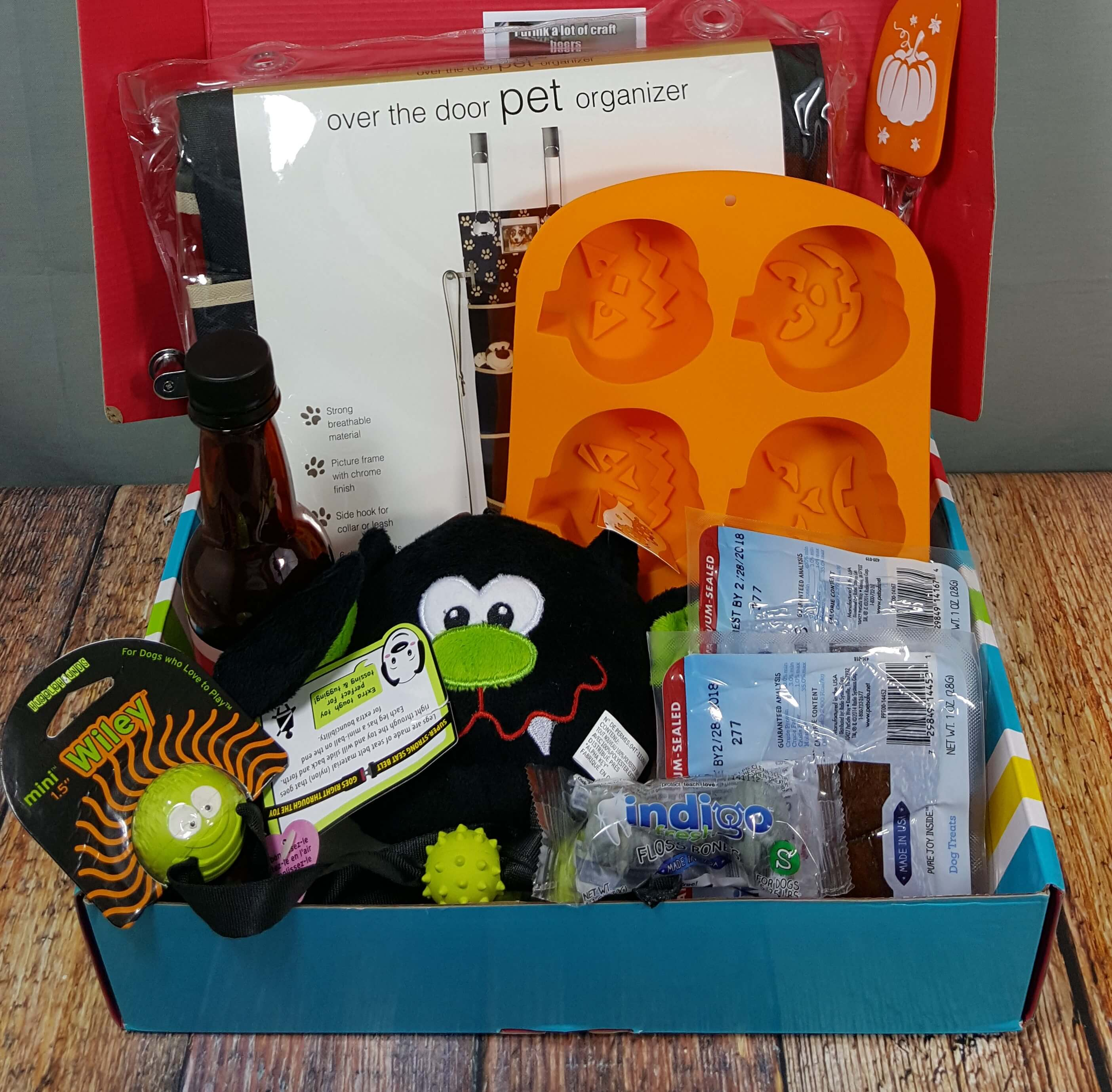 Pet Treater October 2016 Dog Subscription Box Review + Free Pet Bed Coupon