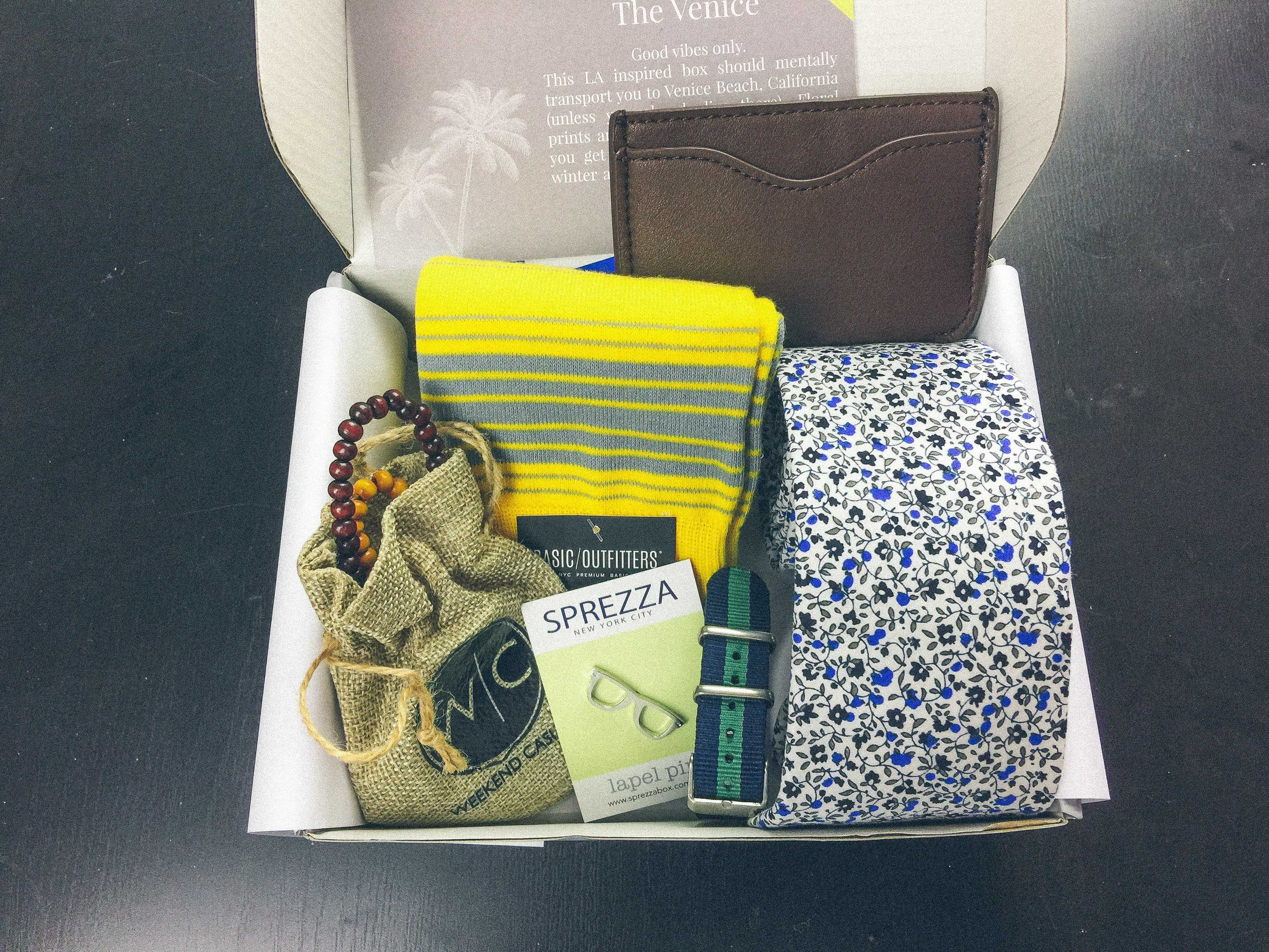 SprezzaBox Subscription Box Review + Coupon – March 2017
