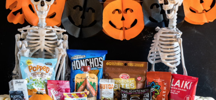 New Vegan Cuts Vegan Gluten-Free HALLOWEEN Box!