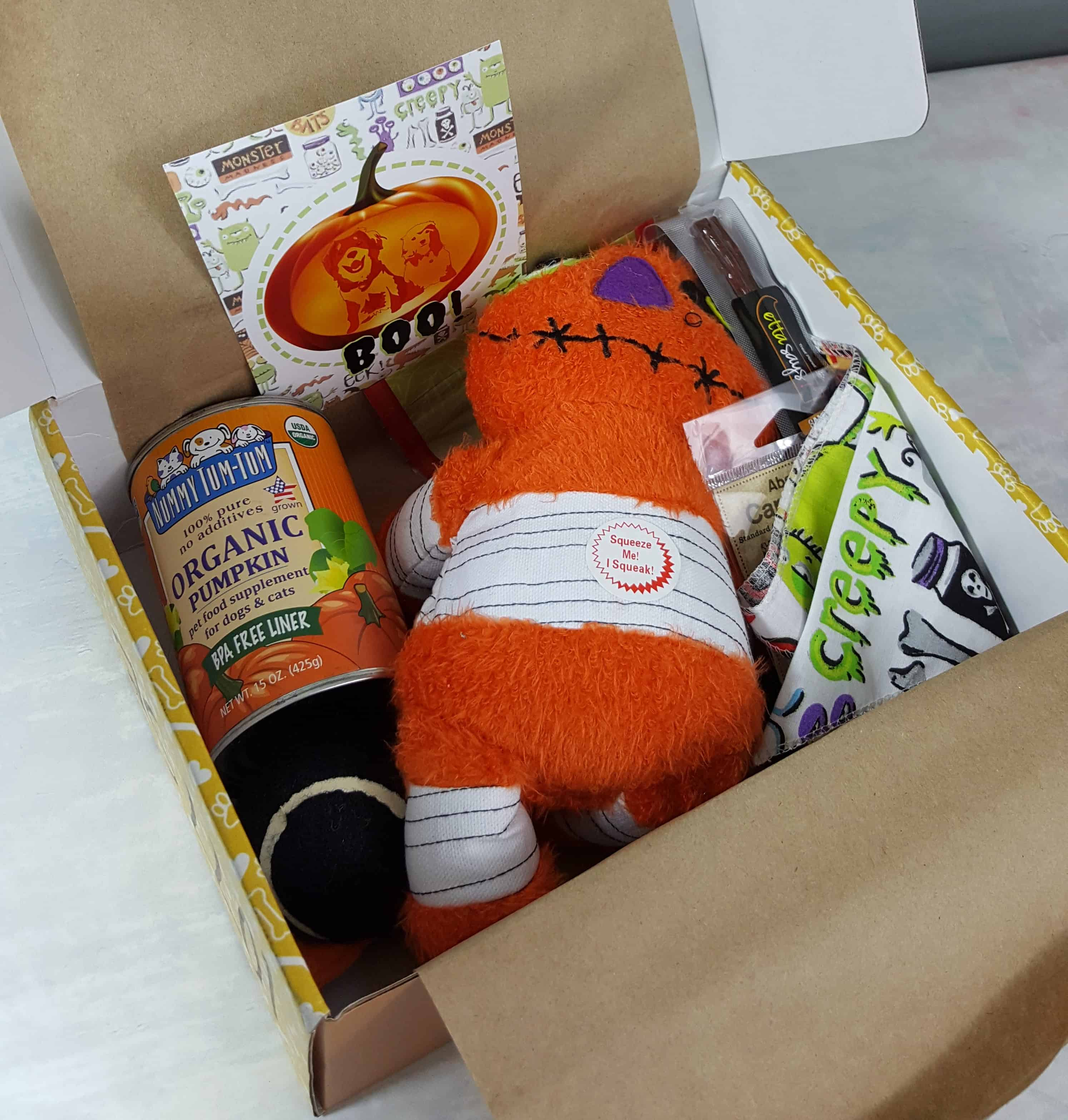 Wigglebutt Box Dog Subscription Box Review – October 2017