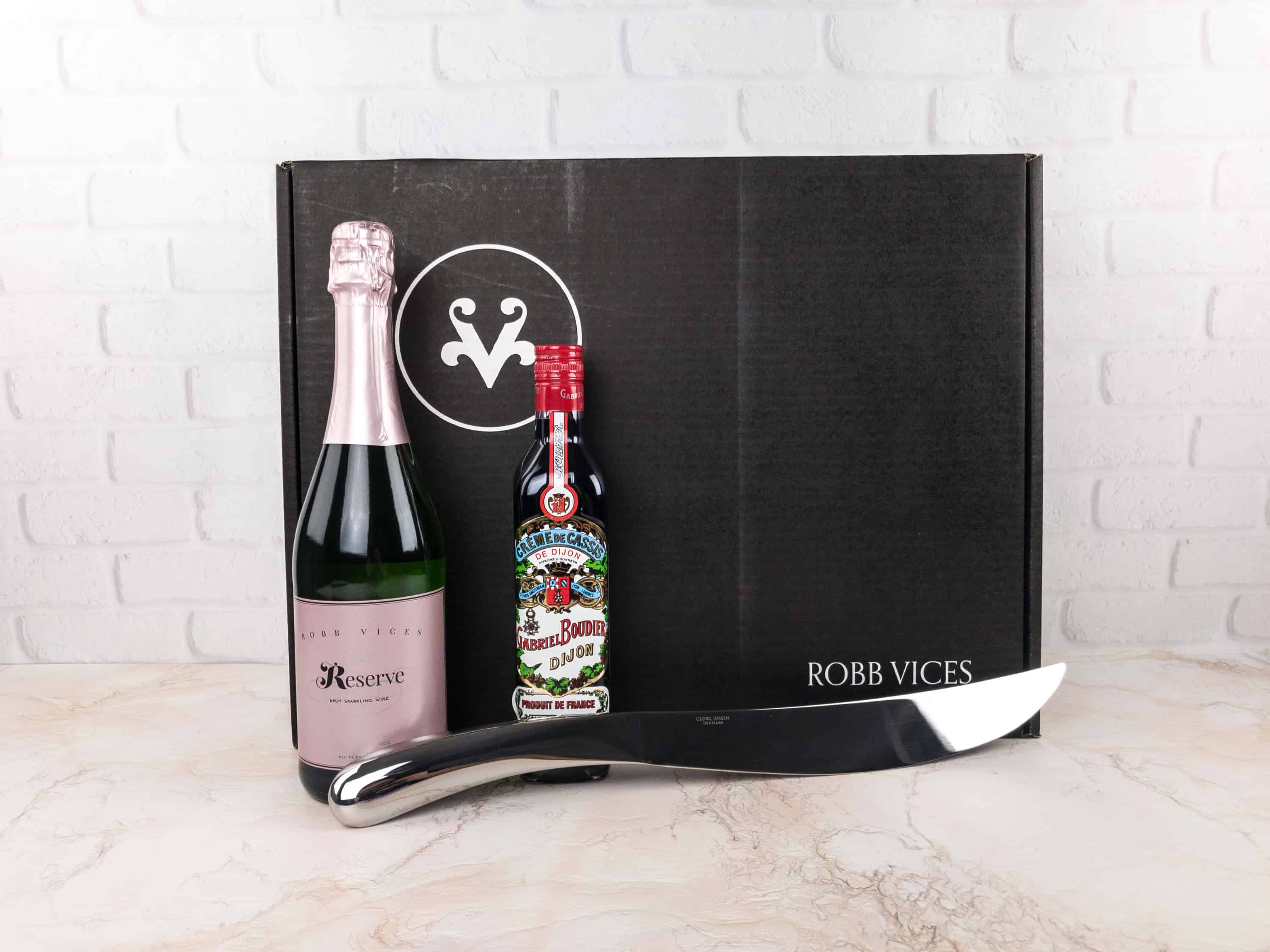 Robb Vices December 2017 Subscription Box Review + Coupon