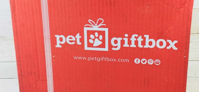 PetGiftBox Cat August 2018 Subscription Box Review + 50% Off Coupon