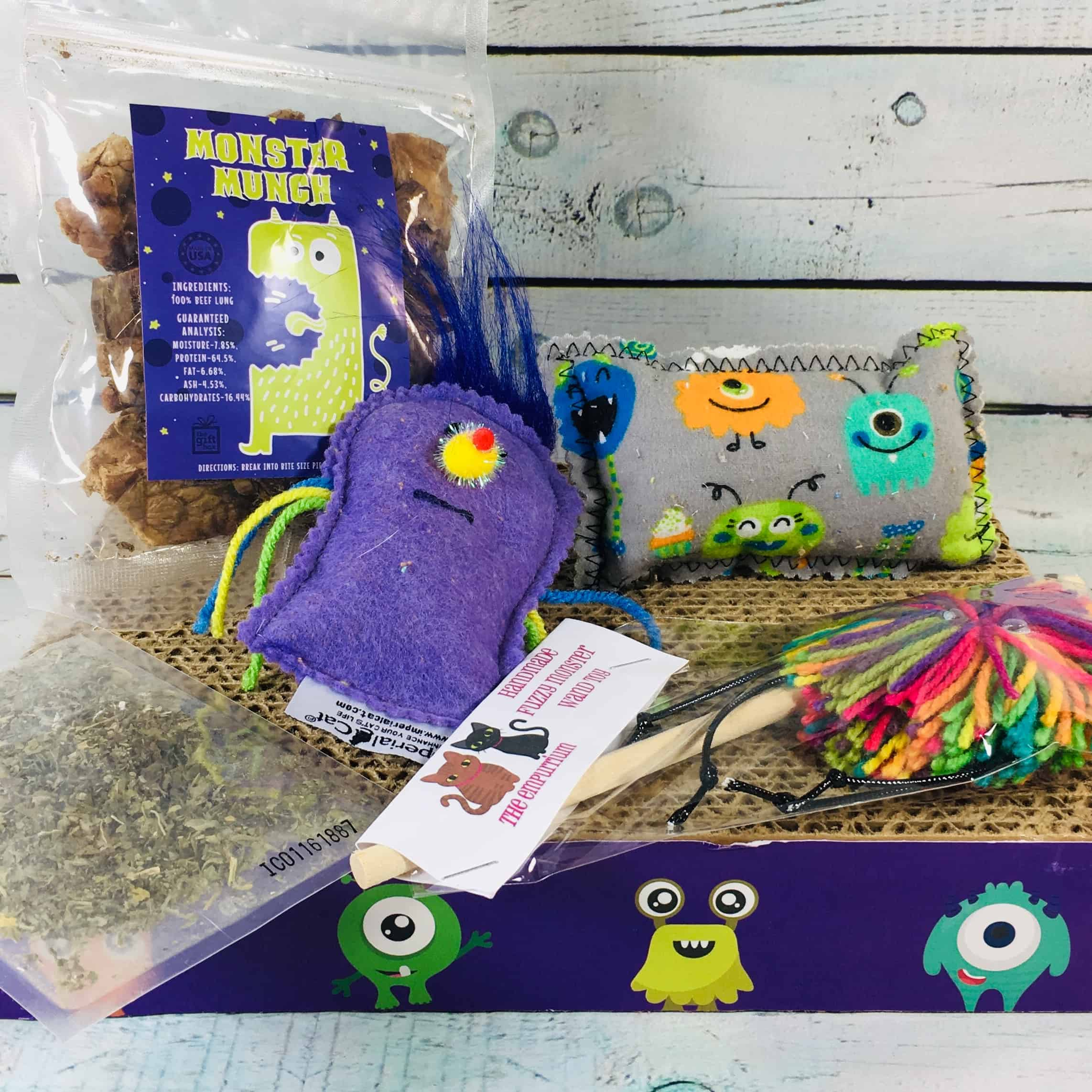 PetGiftBox Cat October 2018 Subscription Box Review + 50% Off Coupon