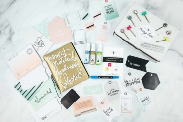 Busy Bee Stationery Black Friday Sale: 15% Off First Box!