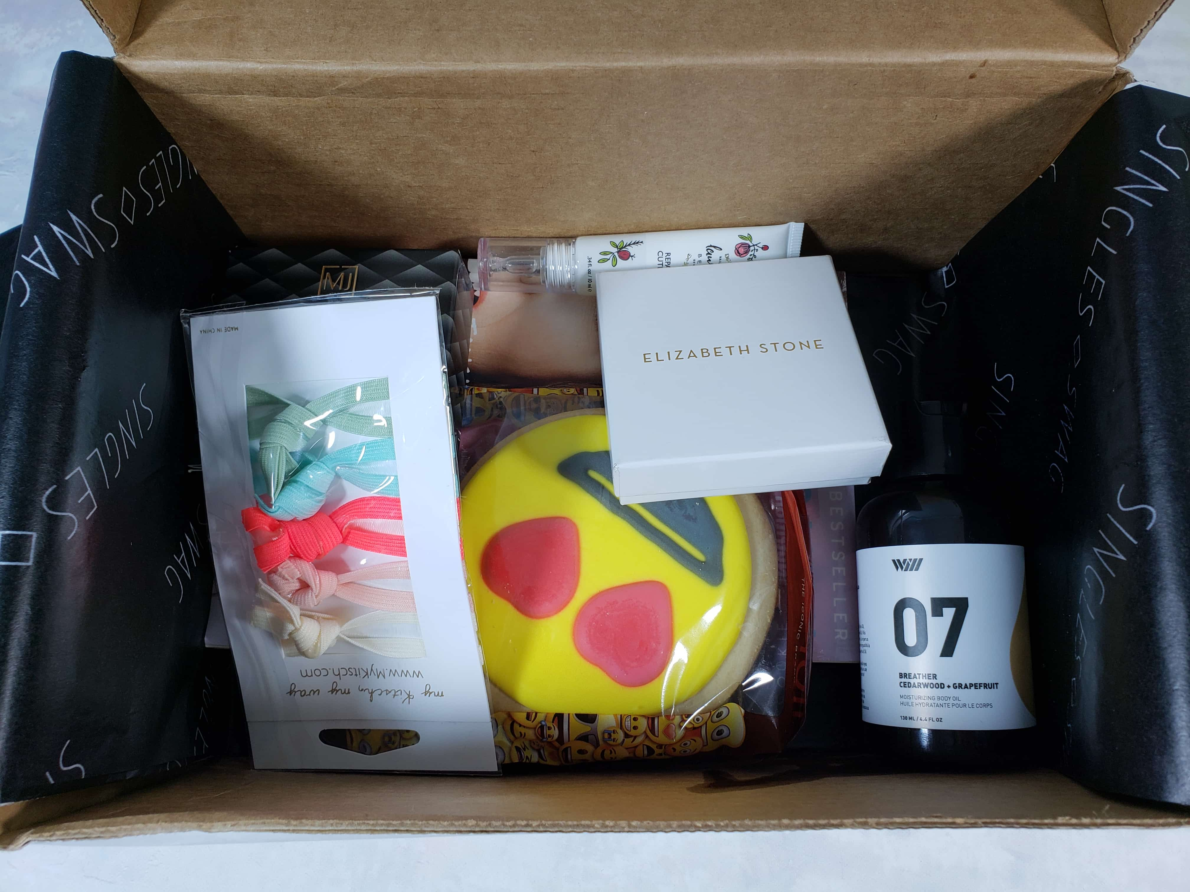 SinglesSwag Subscription Box Review & Coupon – November 2018