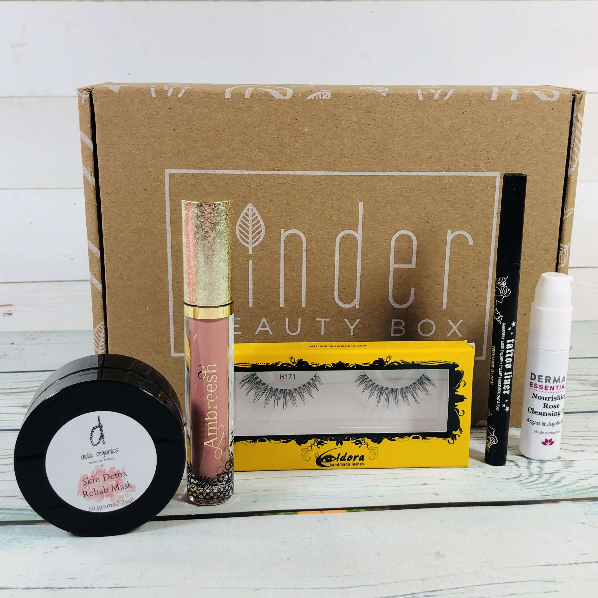 Kinder Beauty Box February 2019 Box Review + Coupon!