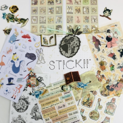 STICKII Club August 2019 Subscription Box Review – Retro Pack!