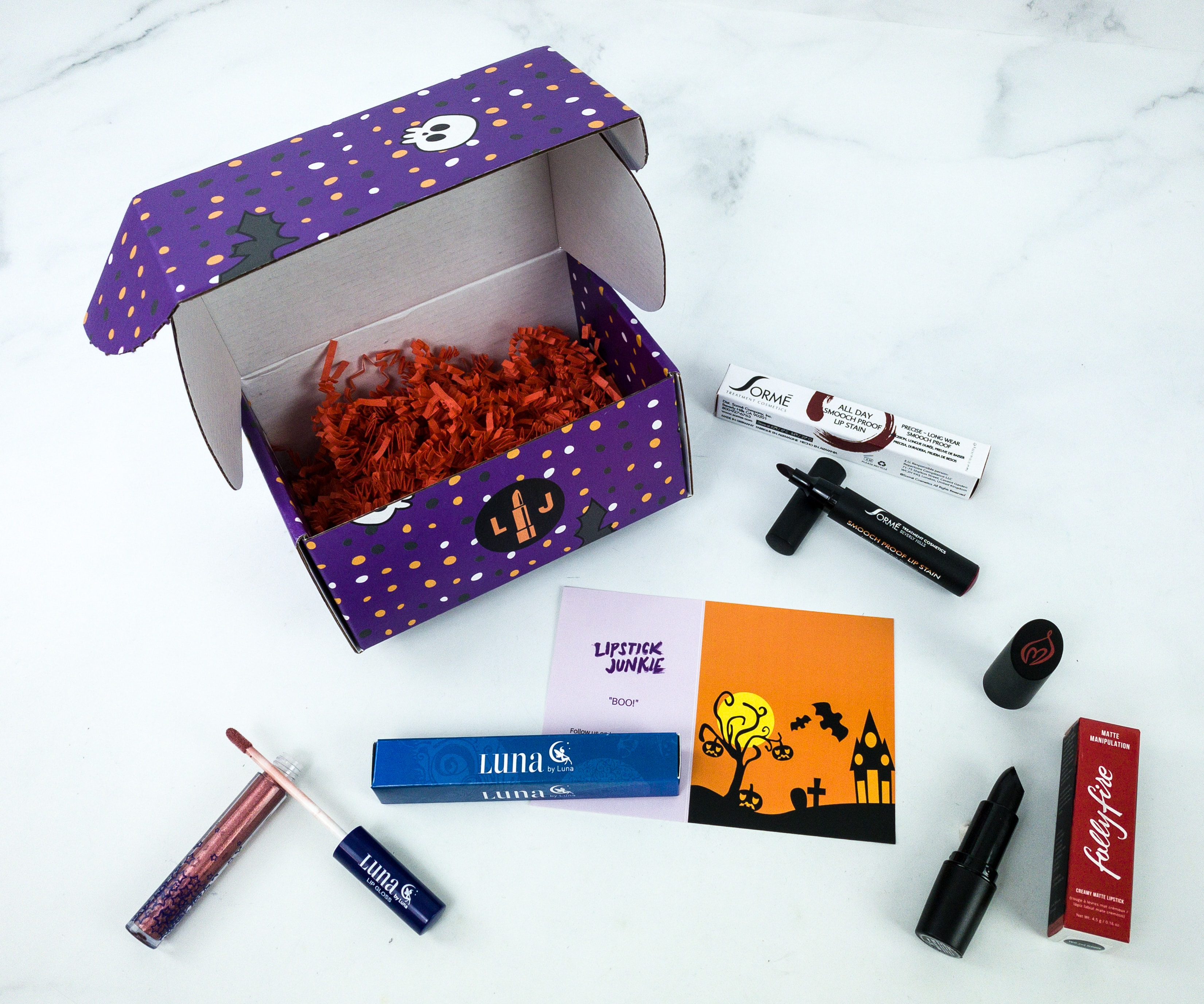 Lipstick Junkie October 2019 Subscription Box Review + Coupon!