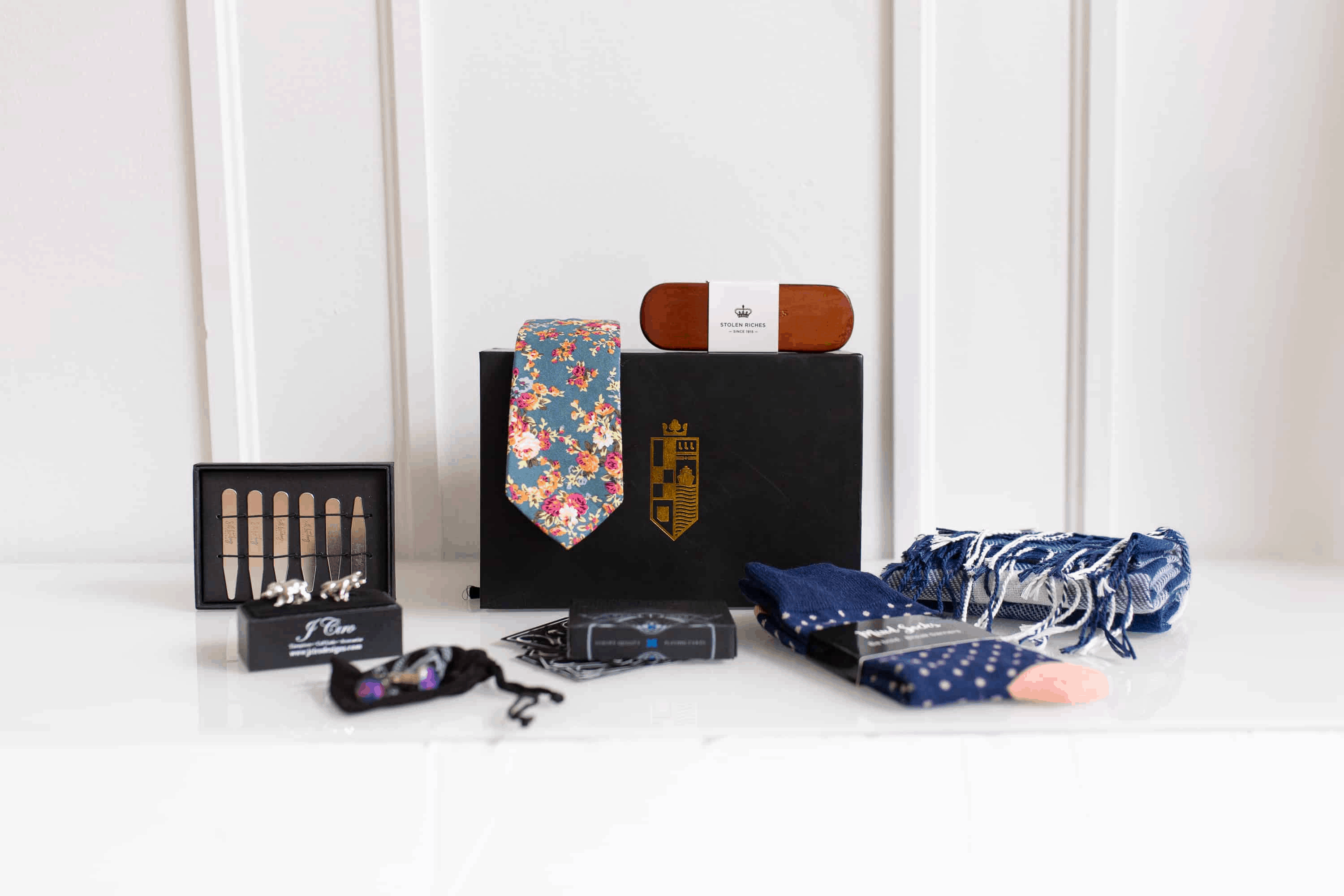 King x Portland Clothing Black Friday & Cyber Monday Deal: Get 30% Off Our Fully Customizable Men's Style Box + FREE SHIPPING!
