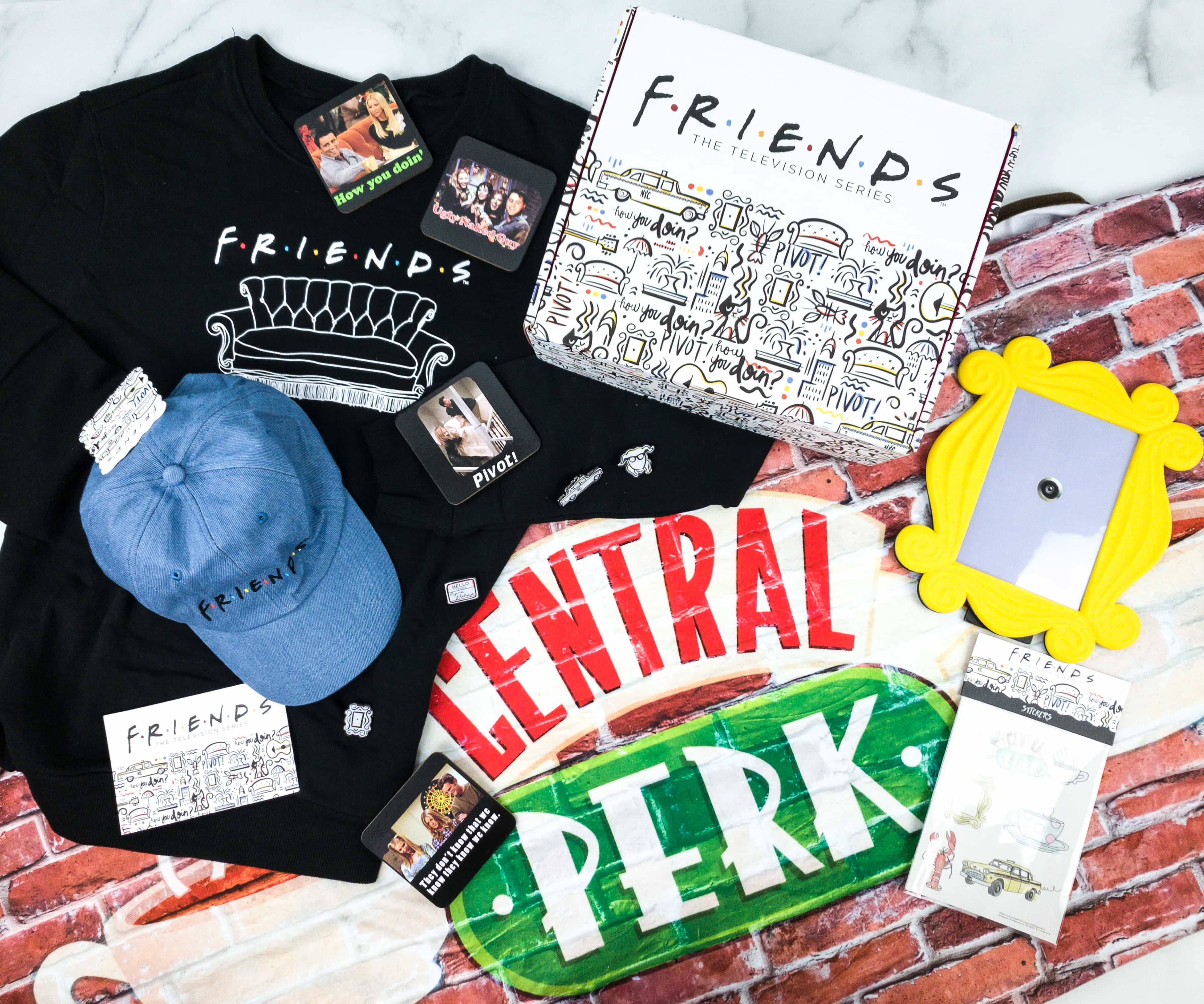 FRIENDS Subscription Box Winter 2019 Review!